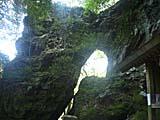 韓亀神社 直前の岩の亀裂