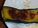 焼き茄子に唐辛子もろみで食べる