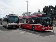 岩手県交通のツアーバスとJRのBTS