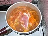 キムチ鍋の素で赤城豚を煮込む