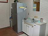 共同の冷蔵庫と洗面所