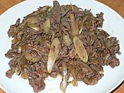 馬肉と玉葱の炒め物