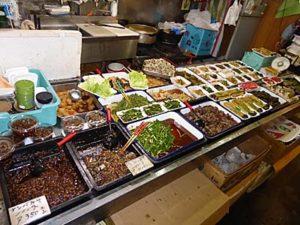 弘前の市場のお惣菜店