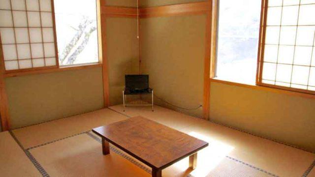 銭川温泉の2階の和室